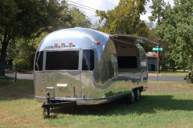 78 airstream safari food truck. Black Bedroom Furniture Sets. Home Design Ideas